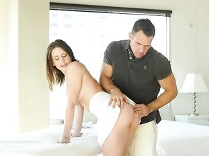 Curvy Beauty Strips For Her Massage And Hardcore Fuck